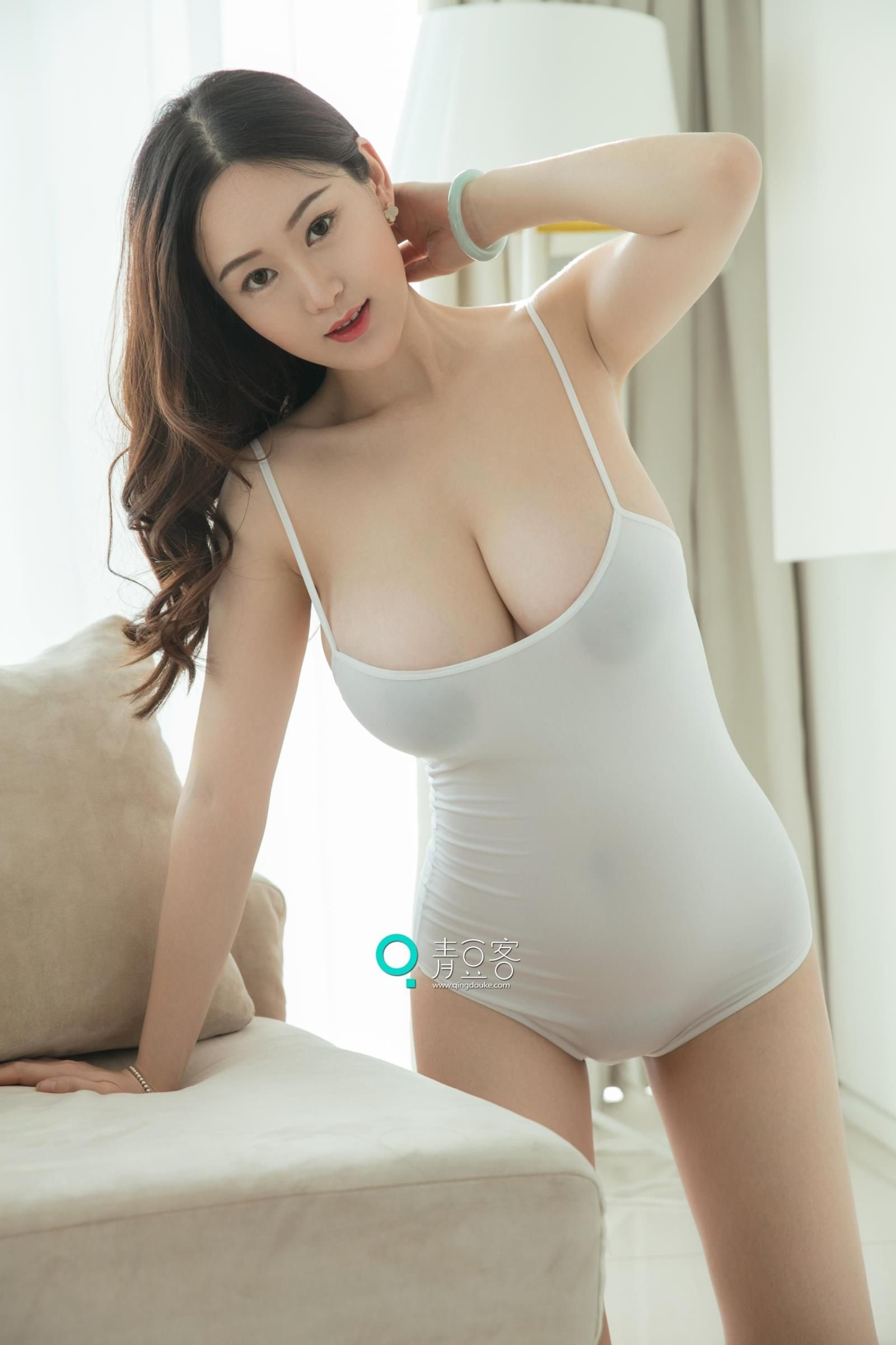 Elly Yi Yang
