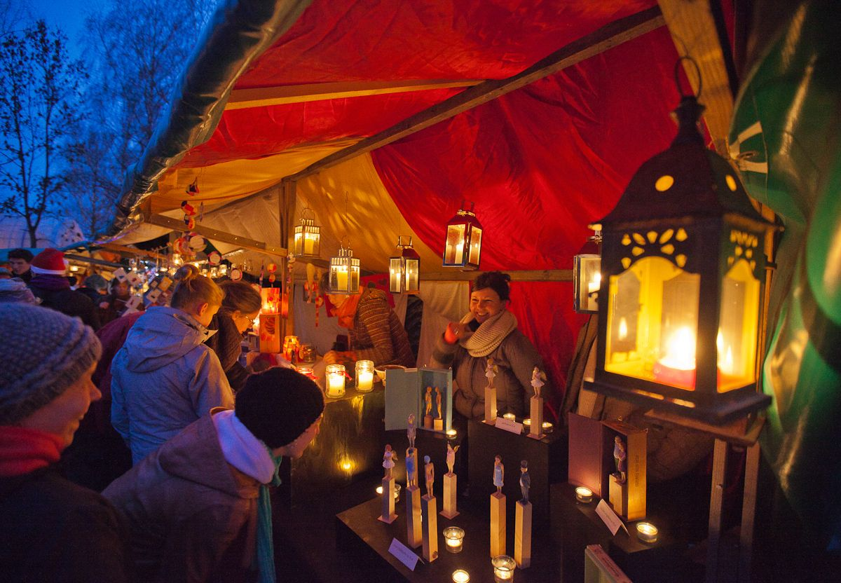 Kloster Andechs Weihnachtsmarkt.Vor Allem Kunsthandwerk Wird Auf Dem Weihnachtsmarkt In
