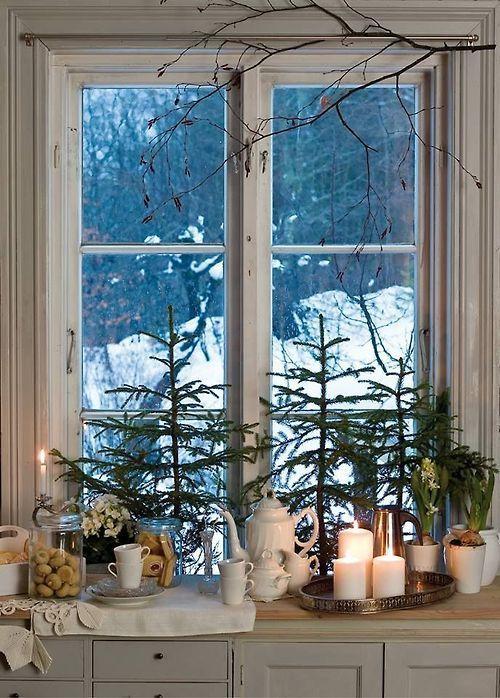 Cozy warm cottage window at Christmas  Wohnungsdeko  Pinterest  Weihnachten gemtliche