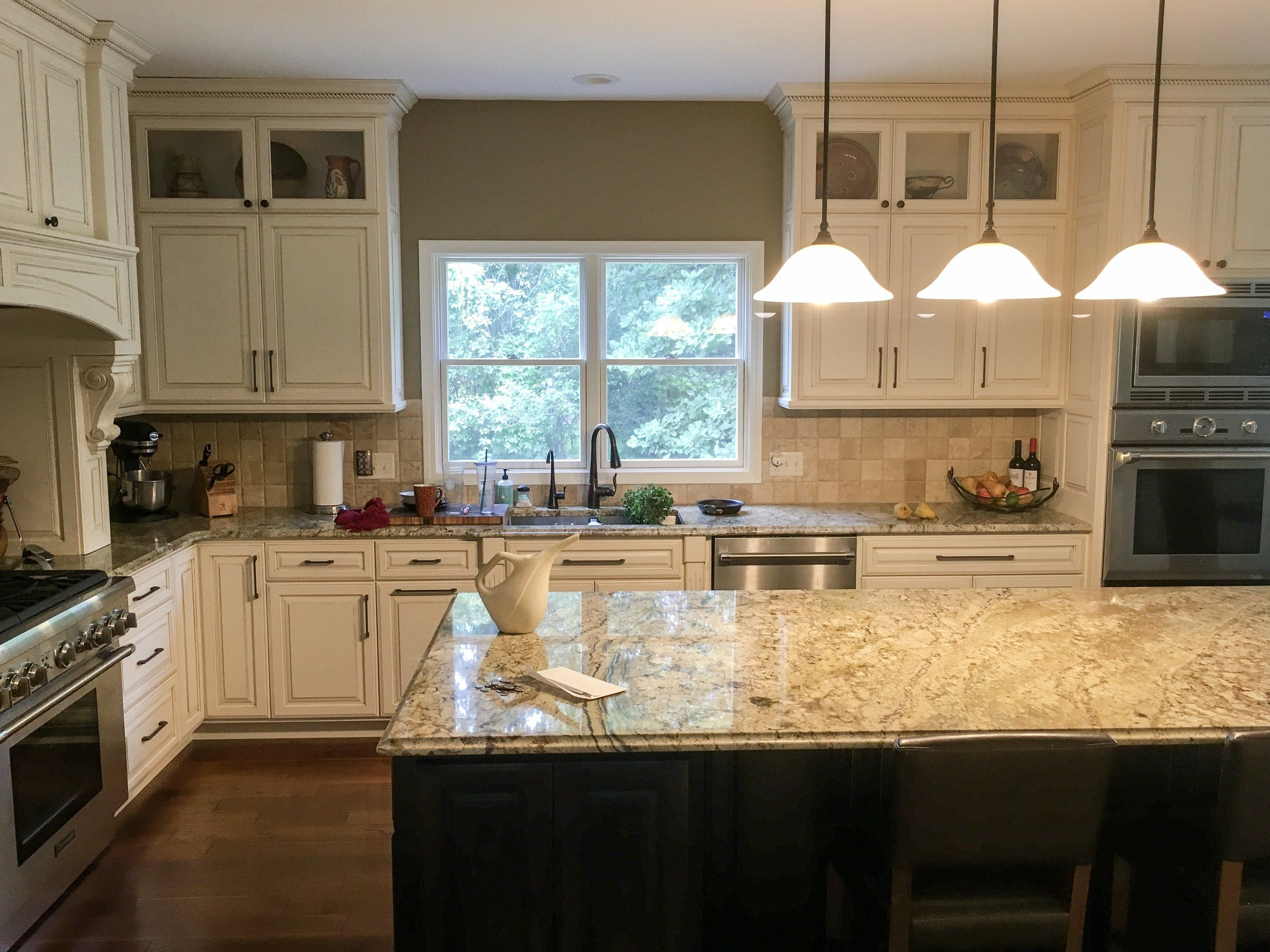 Double ovens and a full rangethis kitchen is perfectly equipped for