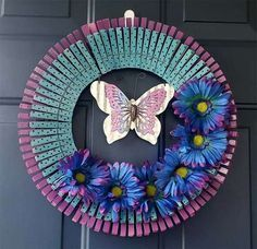 48 Best DIY Clothespin Wreaths You Can Try Today