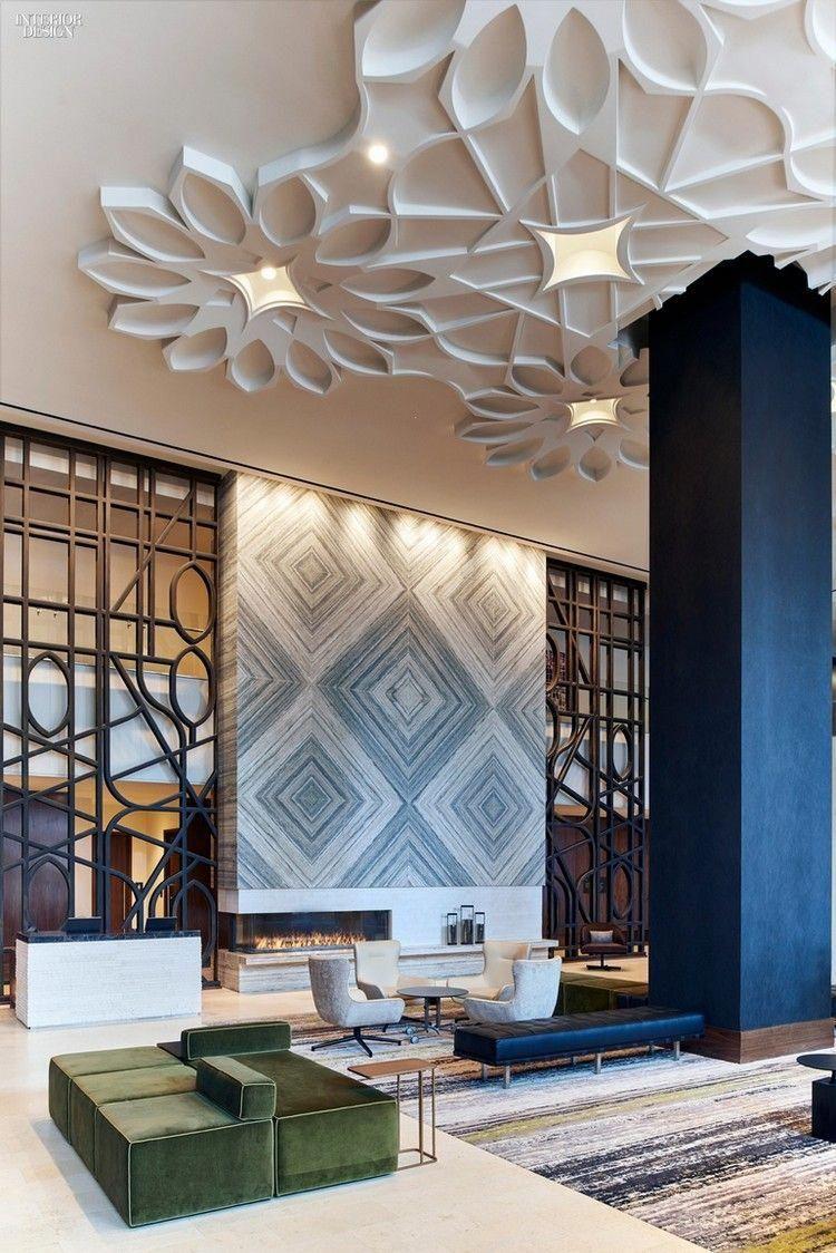 faux plafond design décoré de grandes fleurs 3D en plâtre ...