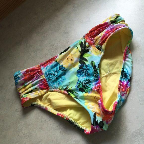 Sea folly hipster bottom NWOT Brand new size 8 US. Seafolly Swim Bikinis