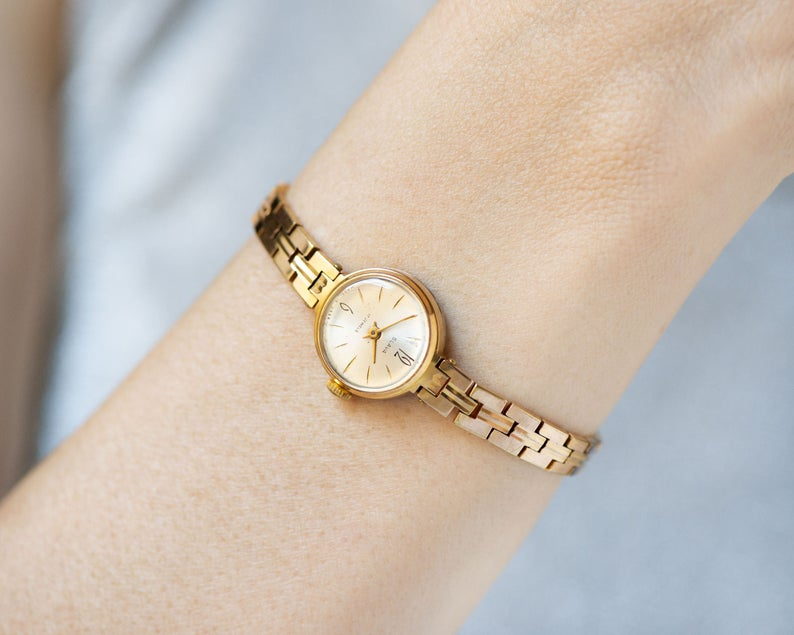 Women S Watch Bracelet Glory Lady Wristwatch Gold Plated Etsy Vintage Watches Women Women Wrist Watch Women Watches Gift