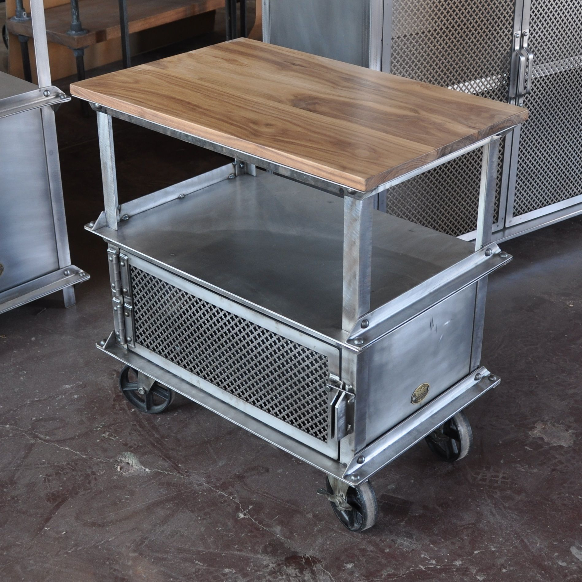 Ellis Side Table By Vintage Industrial Furniture Todo De