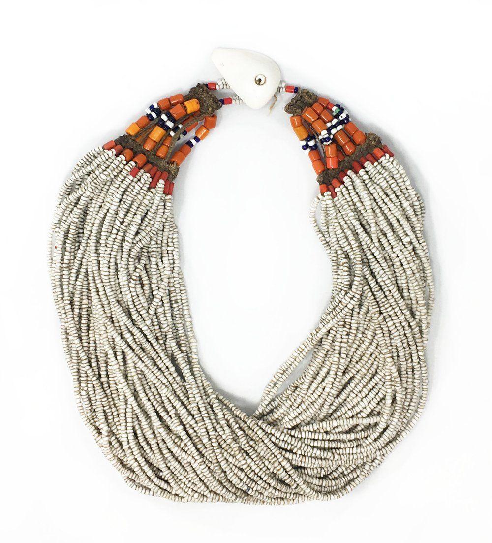 L Artigiano Del Lusso Bijoux white full naga necklace with shell nel 2020
