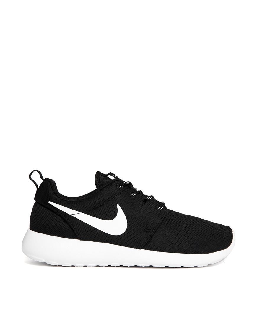 9816b6c678932c Nike Roshe Run Black Trainers - perfect to wear off duty. Love the look of  the classic nikes!