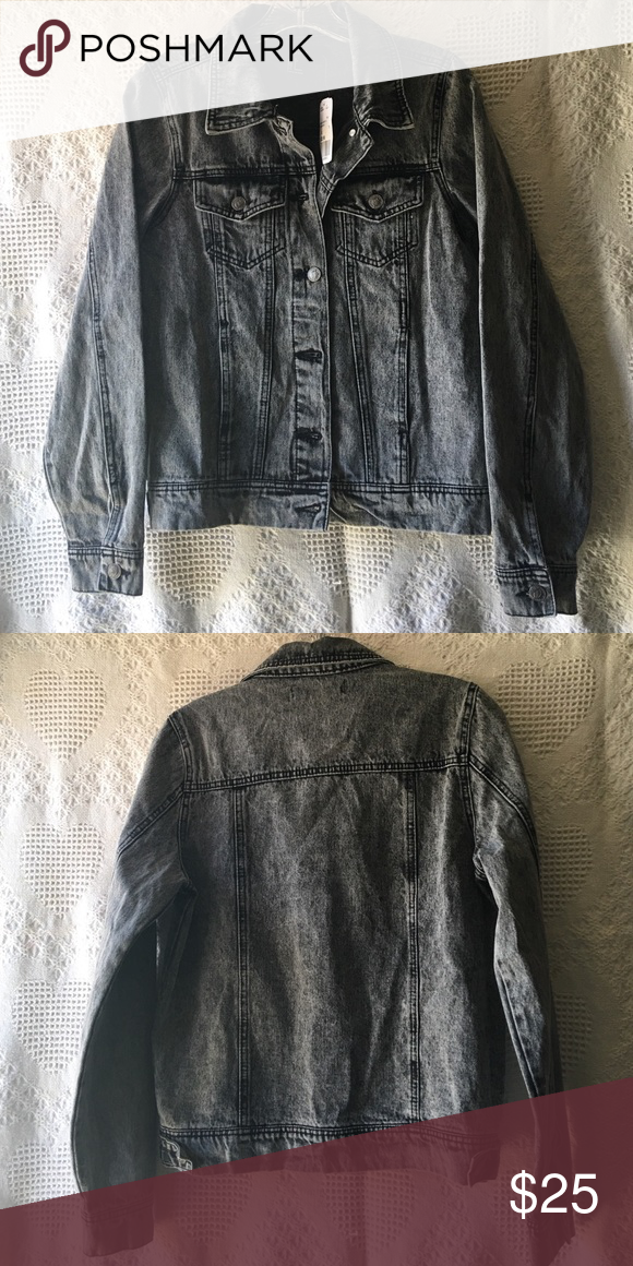 Forever 21 denim jacket. Forever 21 casual denim jacket. Forever 21 Jackets & Coats Jean Jackets