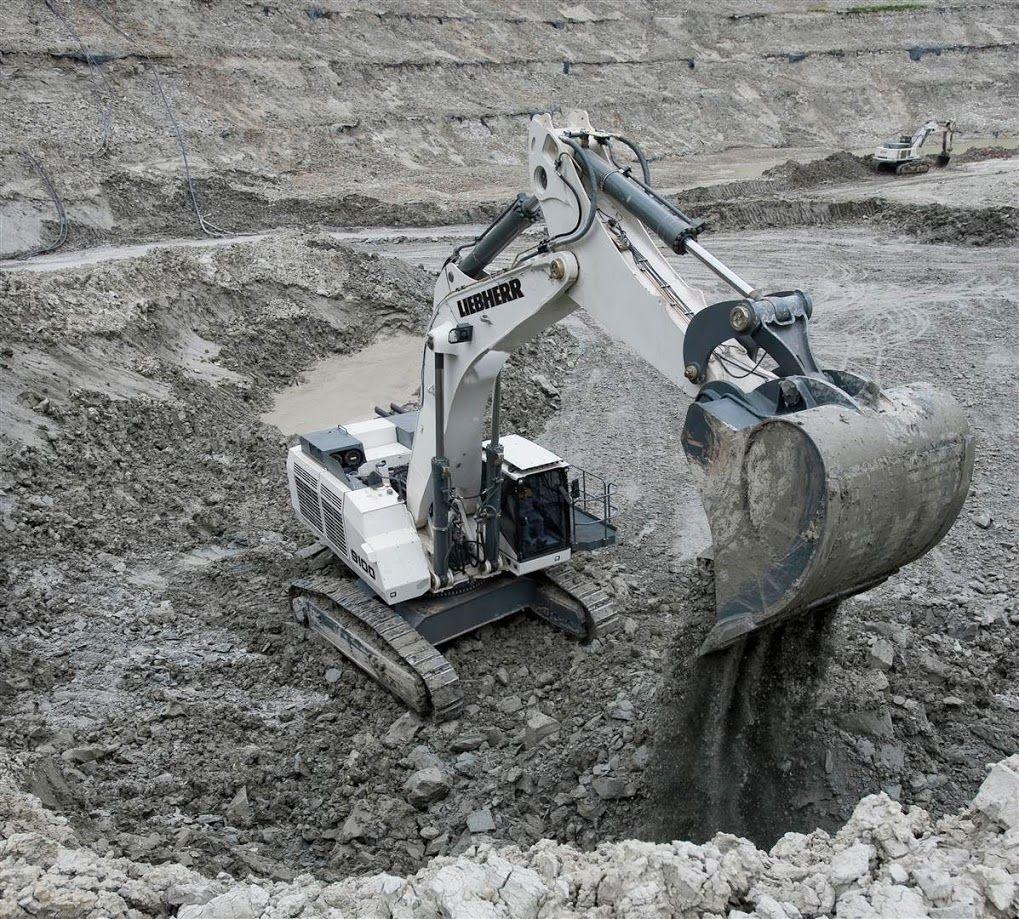 liebherr r 9100 mining excavator liebherr mining pinterest