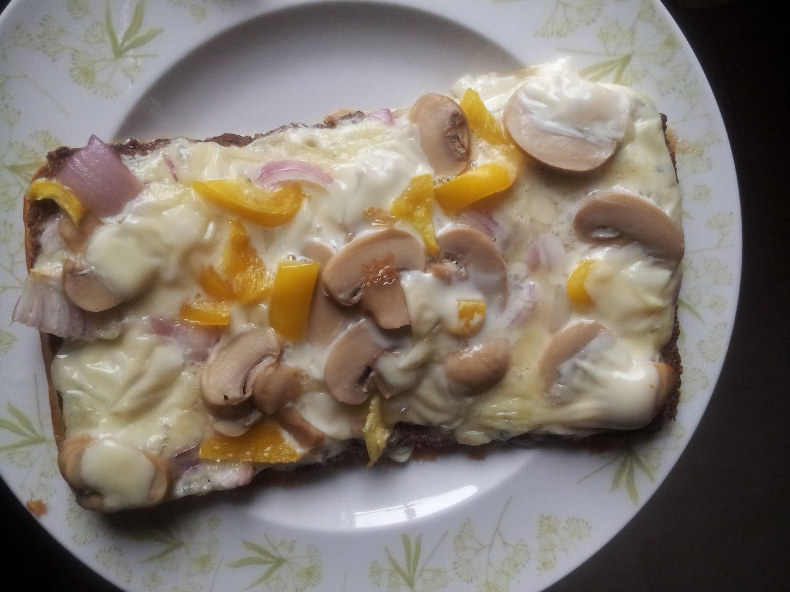 Delicious faux pizza with fitness bread crust. Yum! www.frostedbakeshopng.blogspot.com