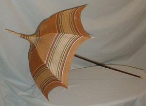 Pagoda style 1830-1850 parasol!