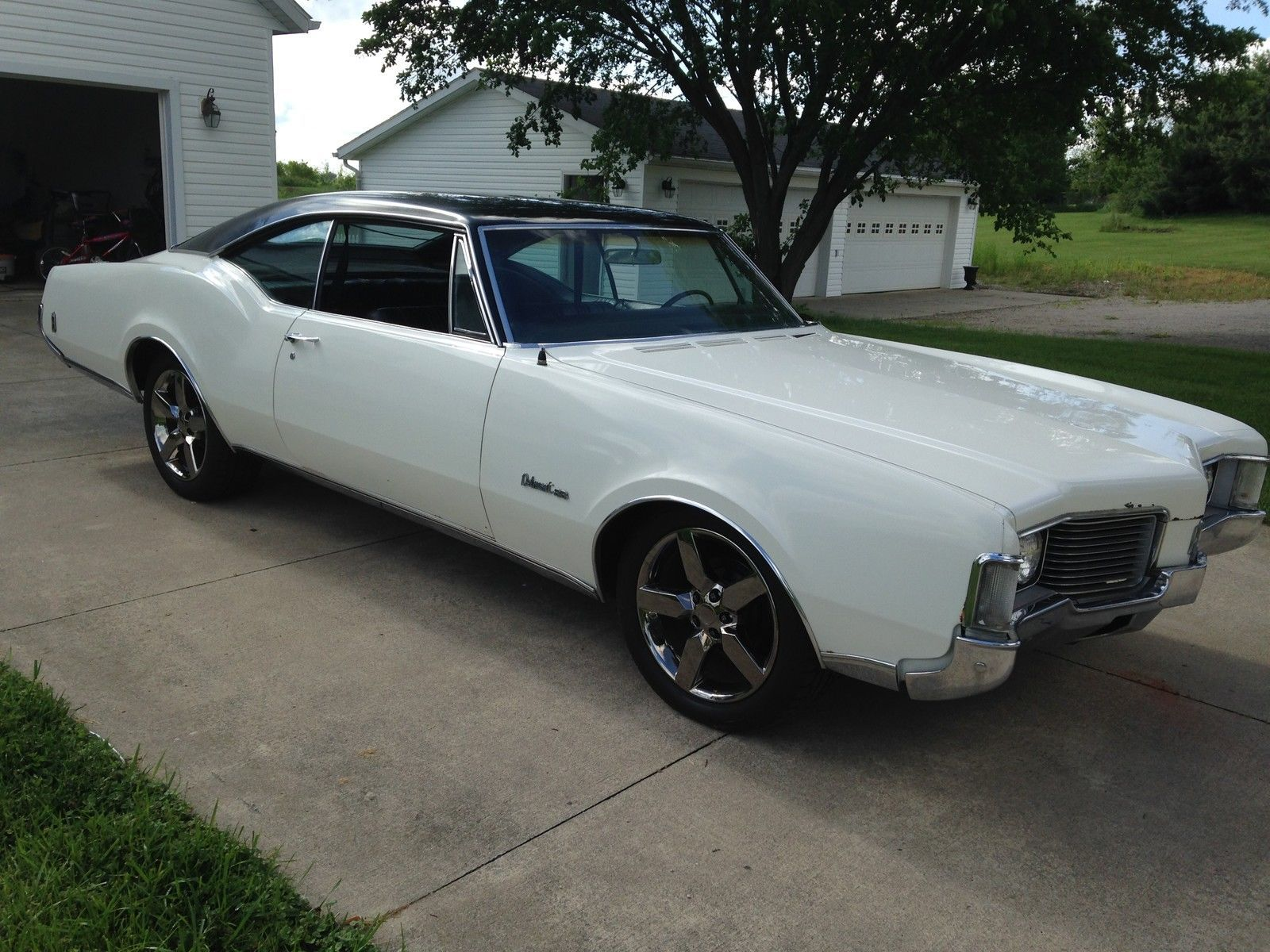 1968 Oldsmobile Delmont 88 455 7 5L 2 Door to Find out more