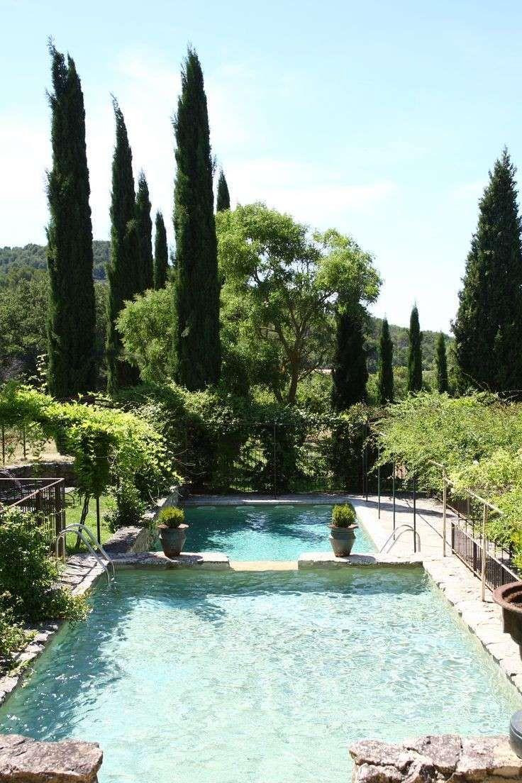Arredare un giardino con piscina in 2019 pools for Arredare giardino con piscina