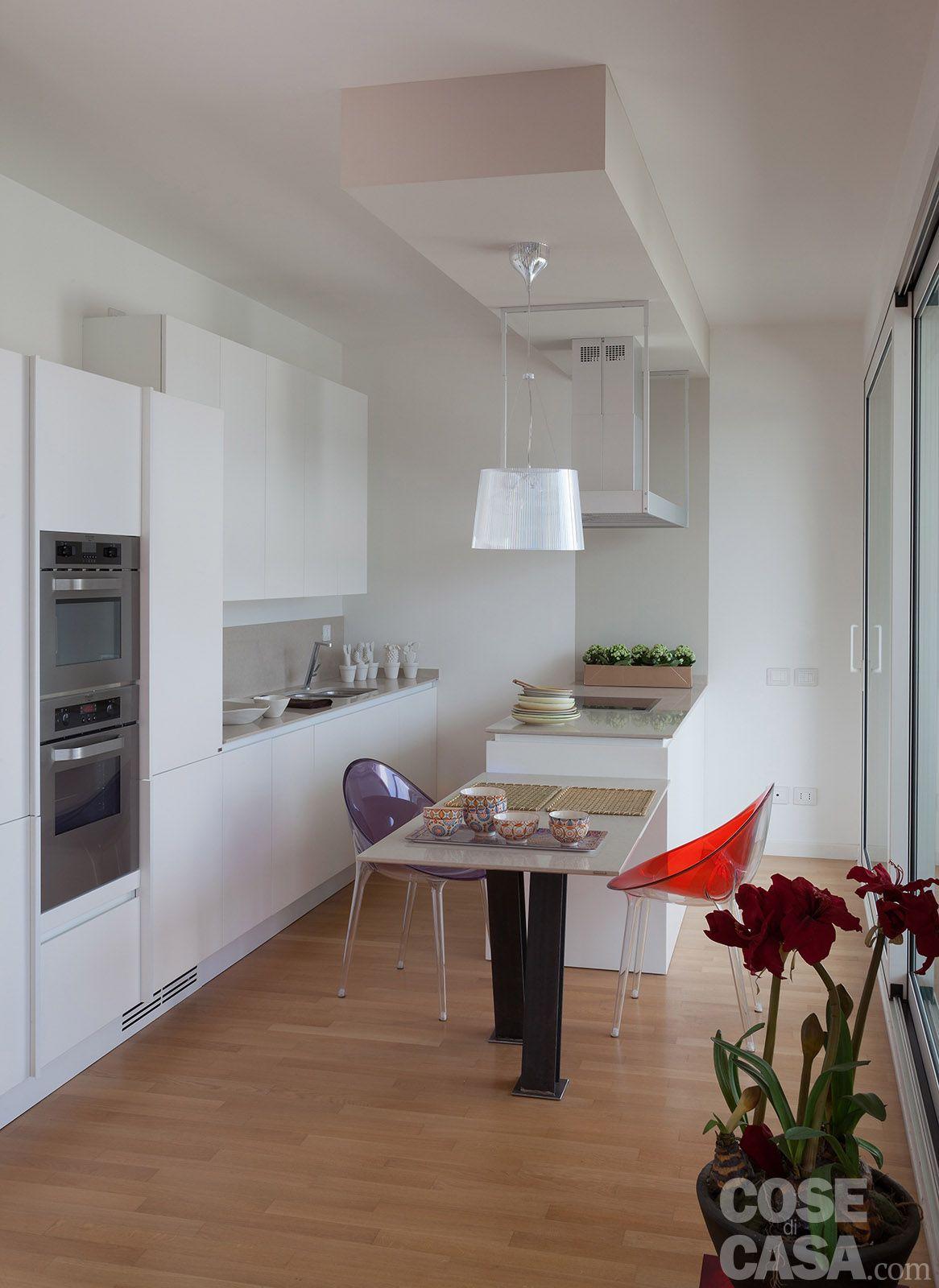 cucina e soggiorno open space - bianco e nero a contrasto | spaces ... - Soggiorno E Cucina In 60 Mq