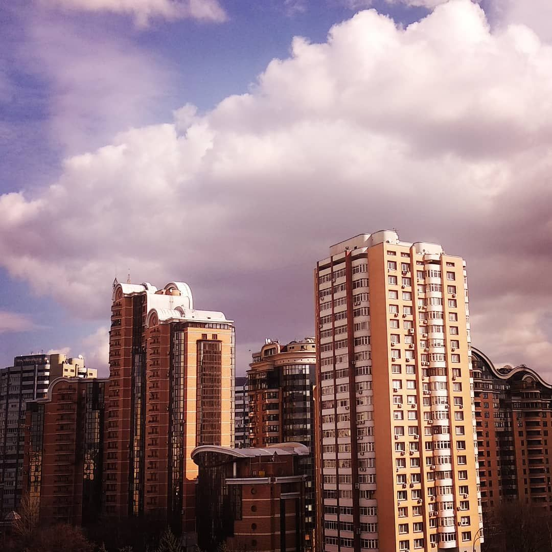 Киев сегодня . . #киев #весна2019 | New york skyline ...