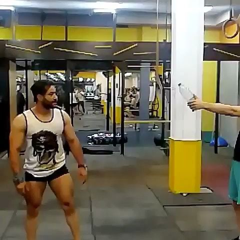 @vahid.kohjani_gym -------------------------------------------------------- Send video direct! 📩 👊🏻Double Tap and 🗣tag your Friends .  Your excuse is not valid !!! -------------------------------------------------------- martialarts#box#carido#ufc#kick#fitness#motivation