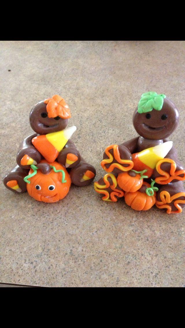 Cute lil pumpkins n gingerbread figures