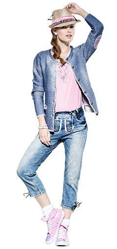 Ein echter Hingucker! Jeans in Lederhosen-Optik mit Hut und Trachten-Cardigan  kombiniert.  awgmode  awg  trachten  capri  jeans  hut  cardigan 99225b2b99