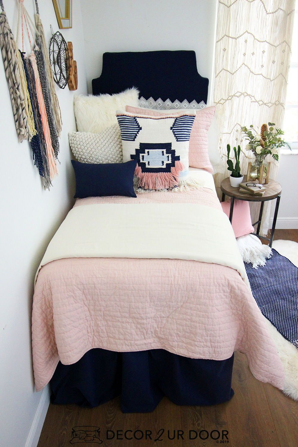 Looking For College Girl Apartment Ideas Check Out This College Apartment Bedding And Decor Collecti Dorm Bedding Sets Designer Dorm Bedding Dorm Room Bedding