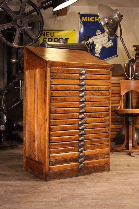 Meuble D Imprimeur Ancien Plus D Info Sur Http Ift Tt 1npq8am Deco Design Antiquitesdesign Loft Meuble De Metier Industriel Vintage Deco Industrielle