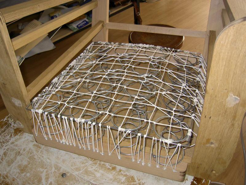 pose des ressorts fauteuils pinterest fauteuil tapisserie fauteuil et fauteuil club. Black Bedroom Furniture Sets. Home Design Ideas