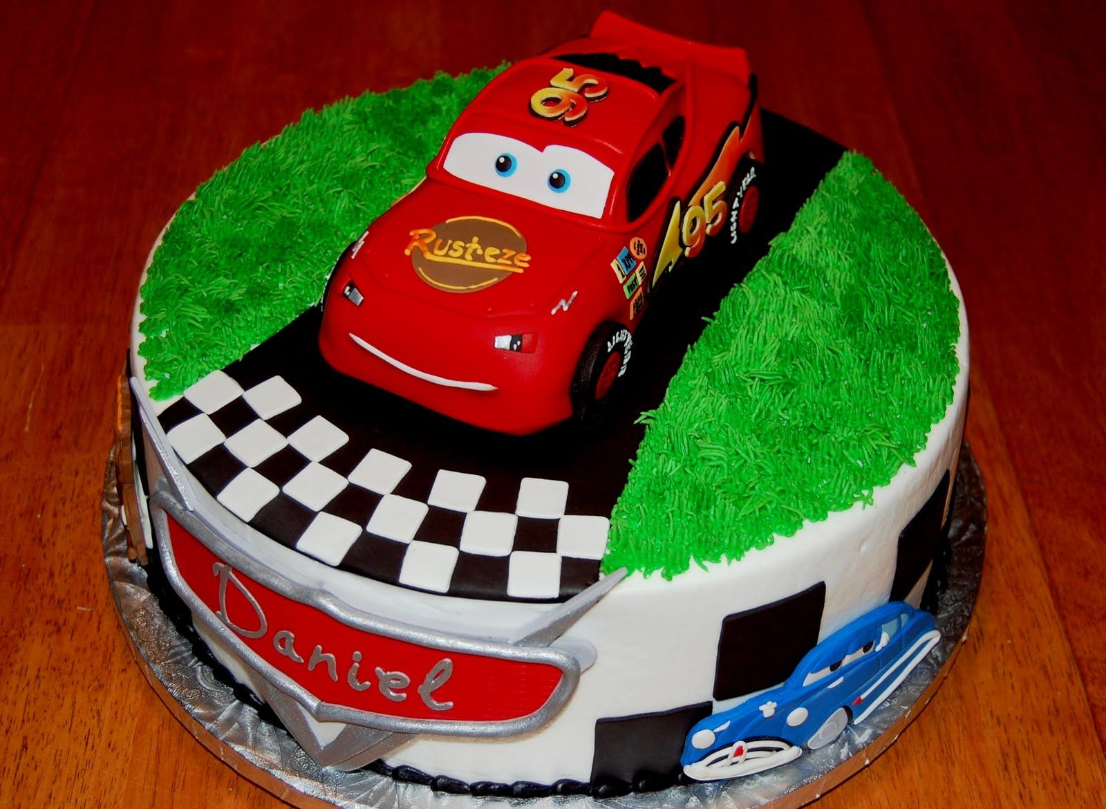 birthday cakes for boys cars Pastel de cumpleanos