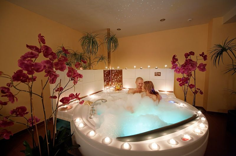 Romantic Pearl Bath For Couples Hoteljurmalaspa Hotel Jurmala Spa Latvia Latvija Romantic Couple Romantic Bubble Bath Romantic Bathrooms Romantic Room