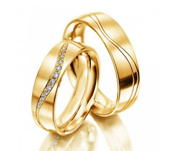 Célèbre CALIE - Duo d'alliances en or jaune 18 cts et diamants. www  WW96