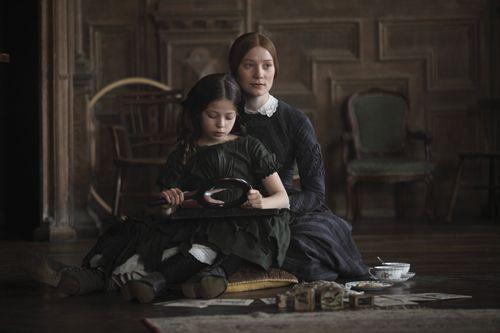 Romy Settbon Moore (Adèle Varens) & Mia Wasikowska (Jane Eyre) - Jane Eyre (2011) #charlottebronte #caryfukunaga