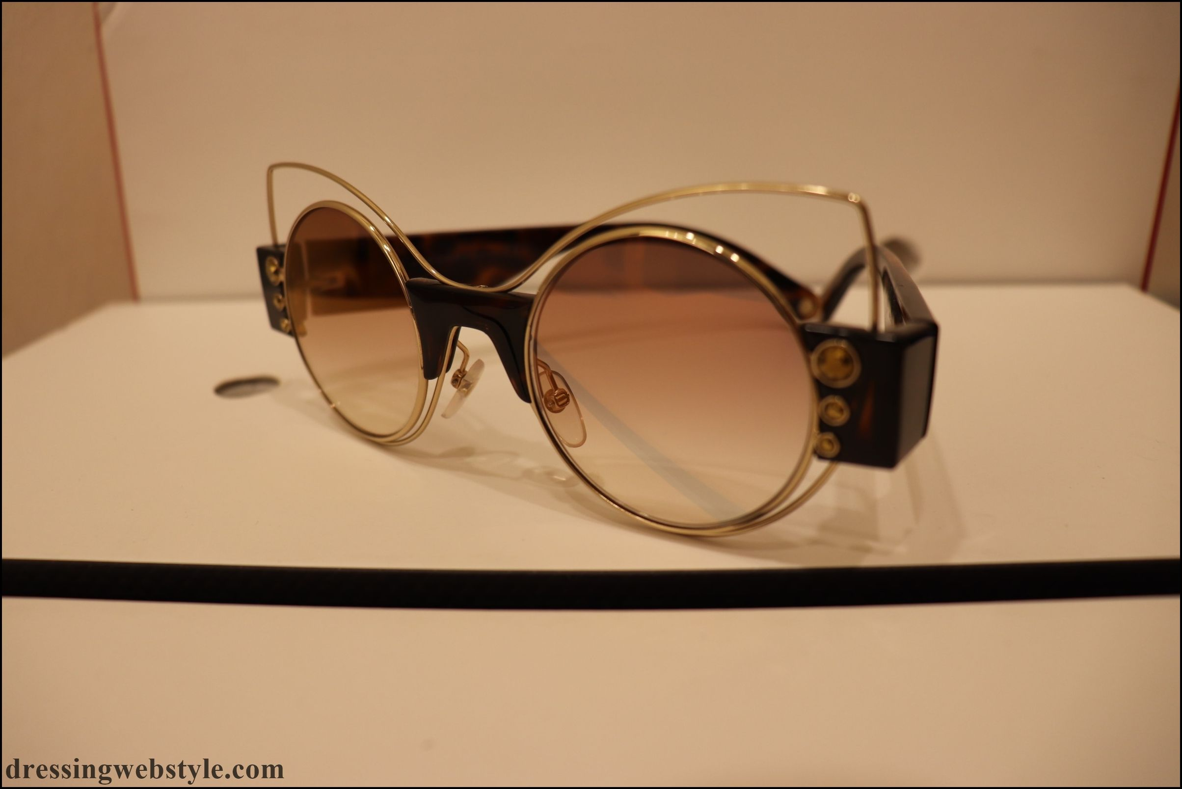Summer 2019 sunglasses trends..This one.. Cat eye