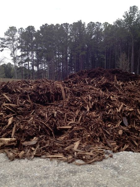 Natural Brown Hardwood Mulch Red Oak Is A Premium Double Hammered All Natural Hardwood Bark That Is Great For Groun Hardwood Mulch Mulch Ground Cover Plants
