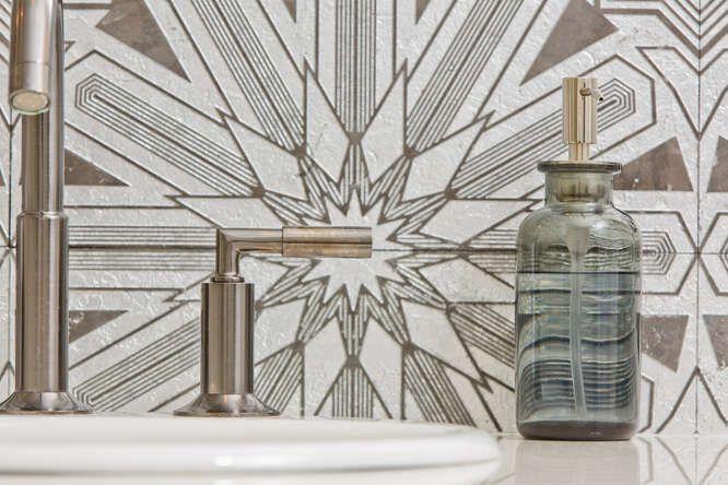 Bath Gallery 1 Signature Designs Kitchen Bath In 2020 Signature Design Kitchen And Bath Design