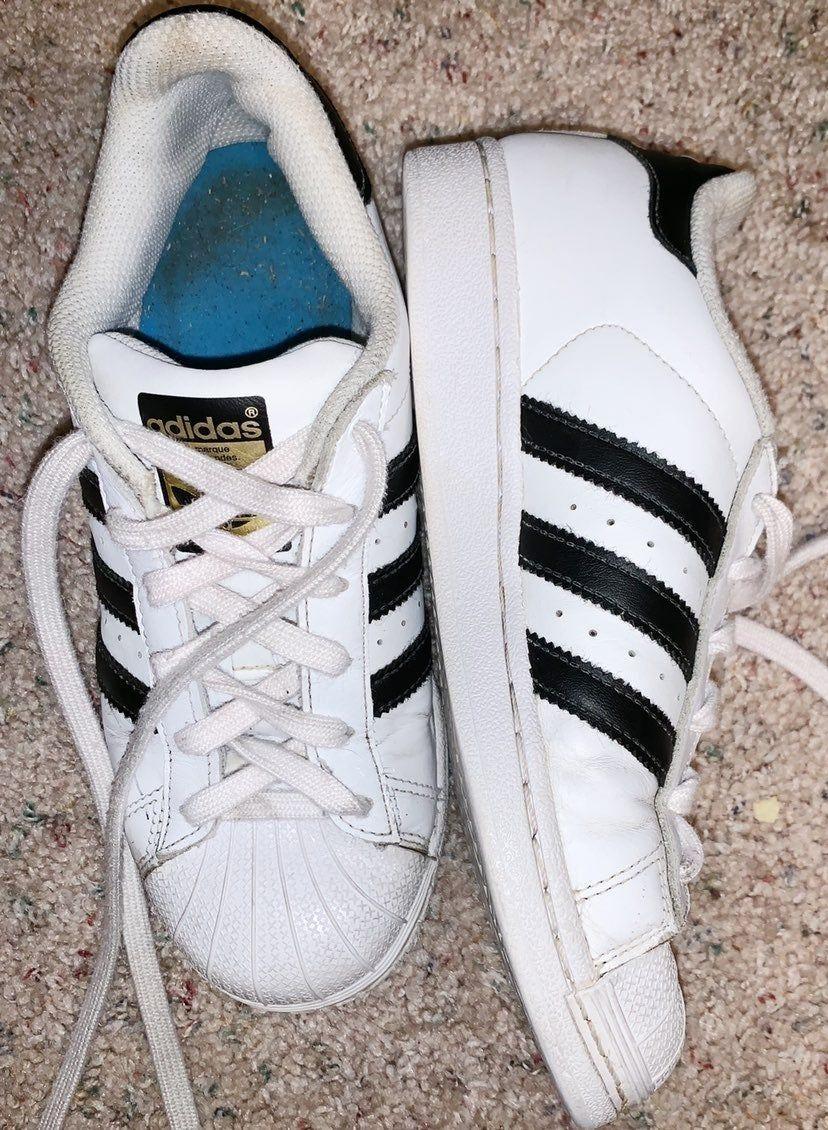 ✰ adidas superstar shoes : size 7 women's - size 4 kids ✰ GOOD ...