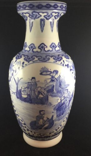 "2 PC Chinese Antique Hand-painted ""戏婴图"" Blue and White Porcelain vase"