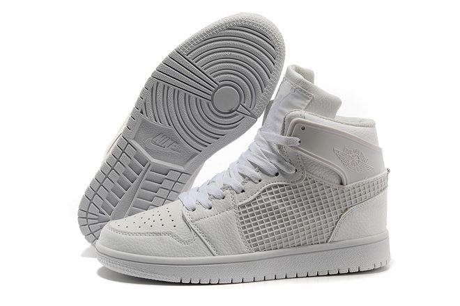 Nike shorts � Michale Jordan Sneakers 1 Retro Lifestyle Shoes All White Men  Size 58263