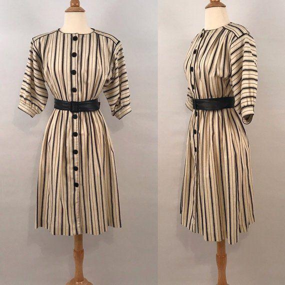 Kleid Oben Gestreift Unten Schwarz