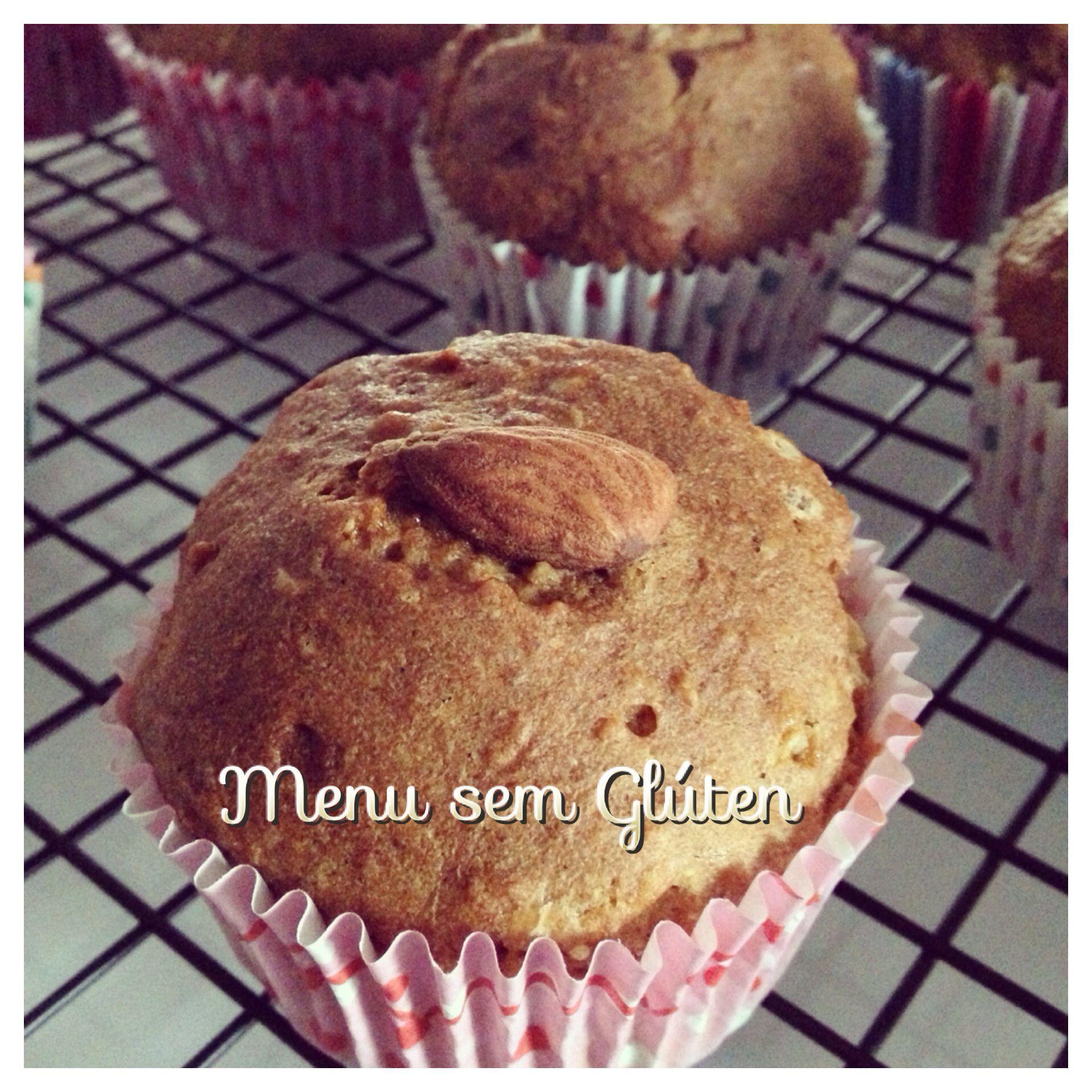 Muffins de laranja sem glúten e sem lactose! Super macios e deliciosos! Receita no blog!