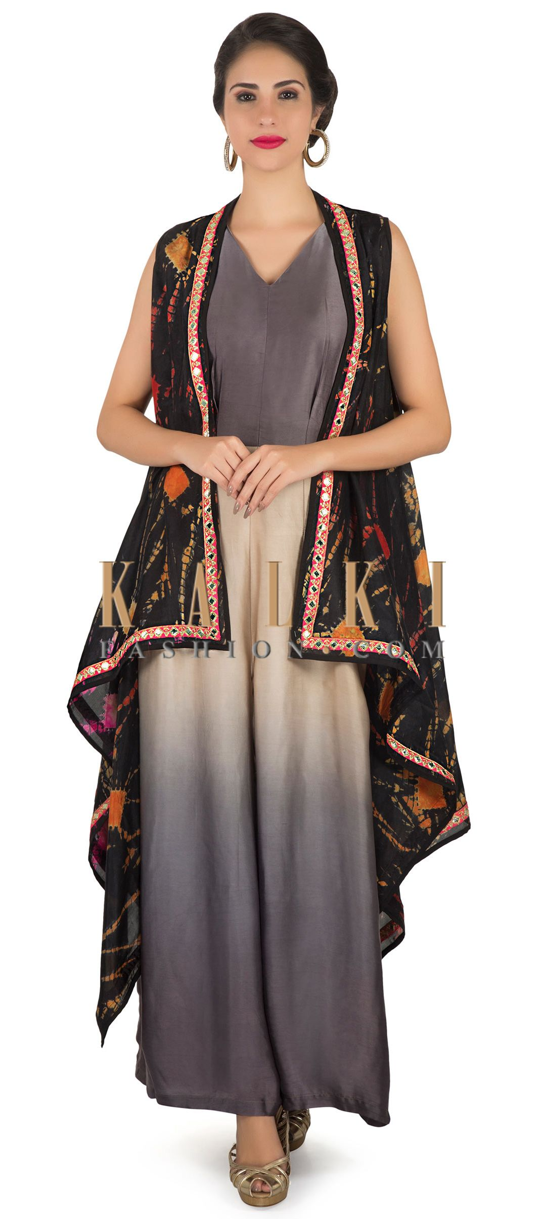 Jumpsuit in grey and cream matched with printed long jacket only on