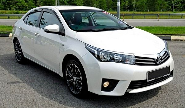 Rent A Toyota Corolla Grande 2016 In Lahore Toyota Corolla Toyota 2015 Toyota