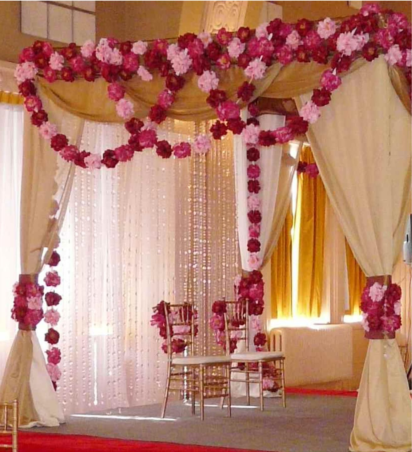 Wedding Canopy Decoration Ideas: Wedding Canopy With Paper Flowers?
