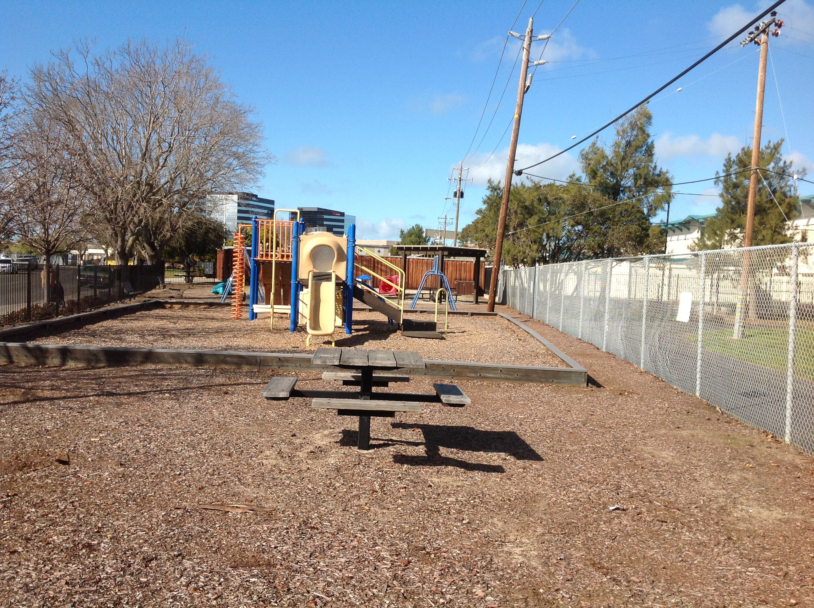 Here is the Local Fiesta Meadows Park, which is located in Fiesta ...