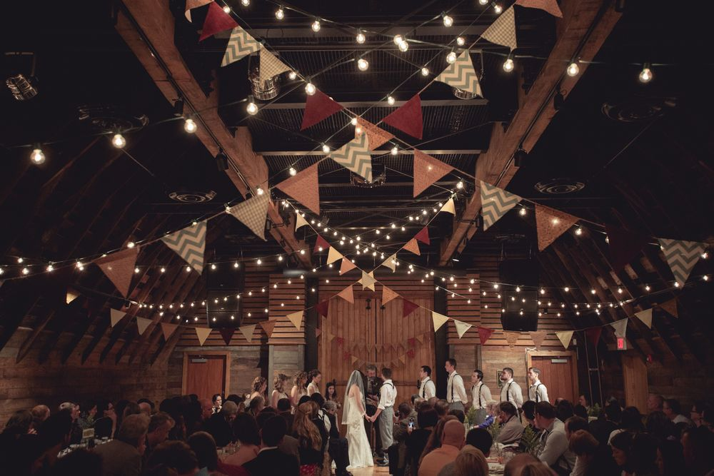 Chelsea Ryan S Barn Wedding At Barns Of Rose Hill In Berryville