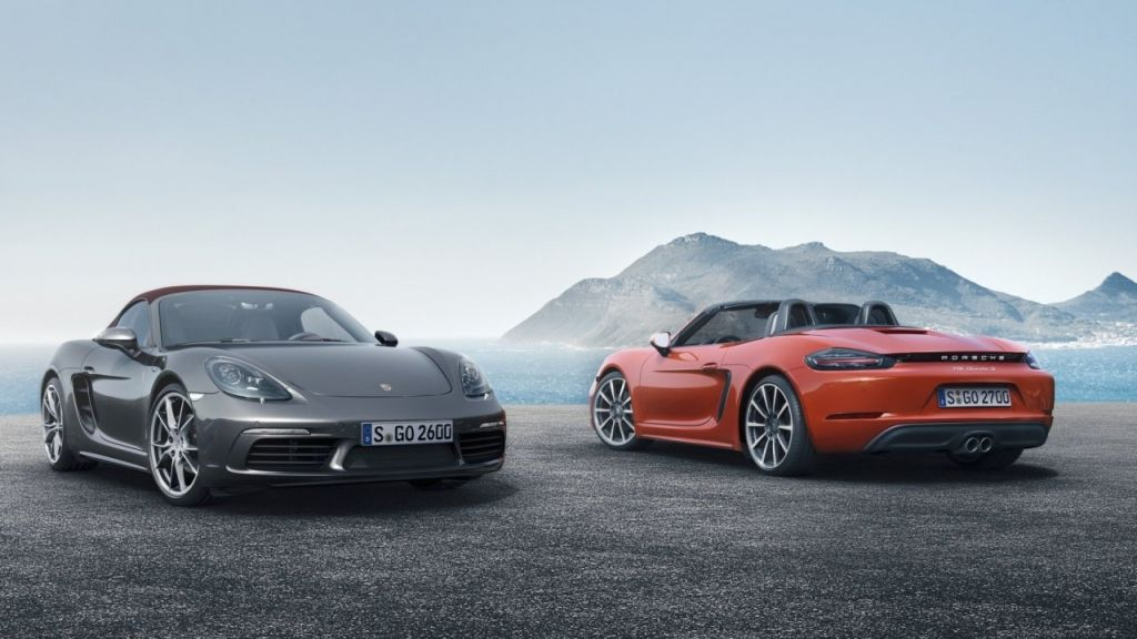 Porsche 718 Boxster Fully Revealed with Turbo Flat-Four Engines