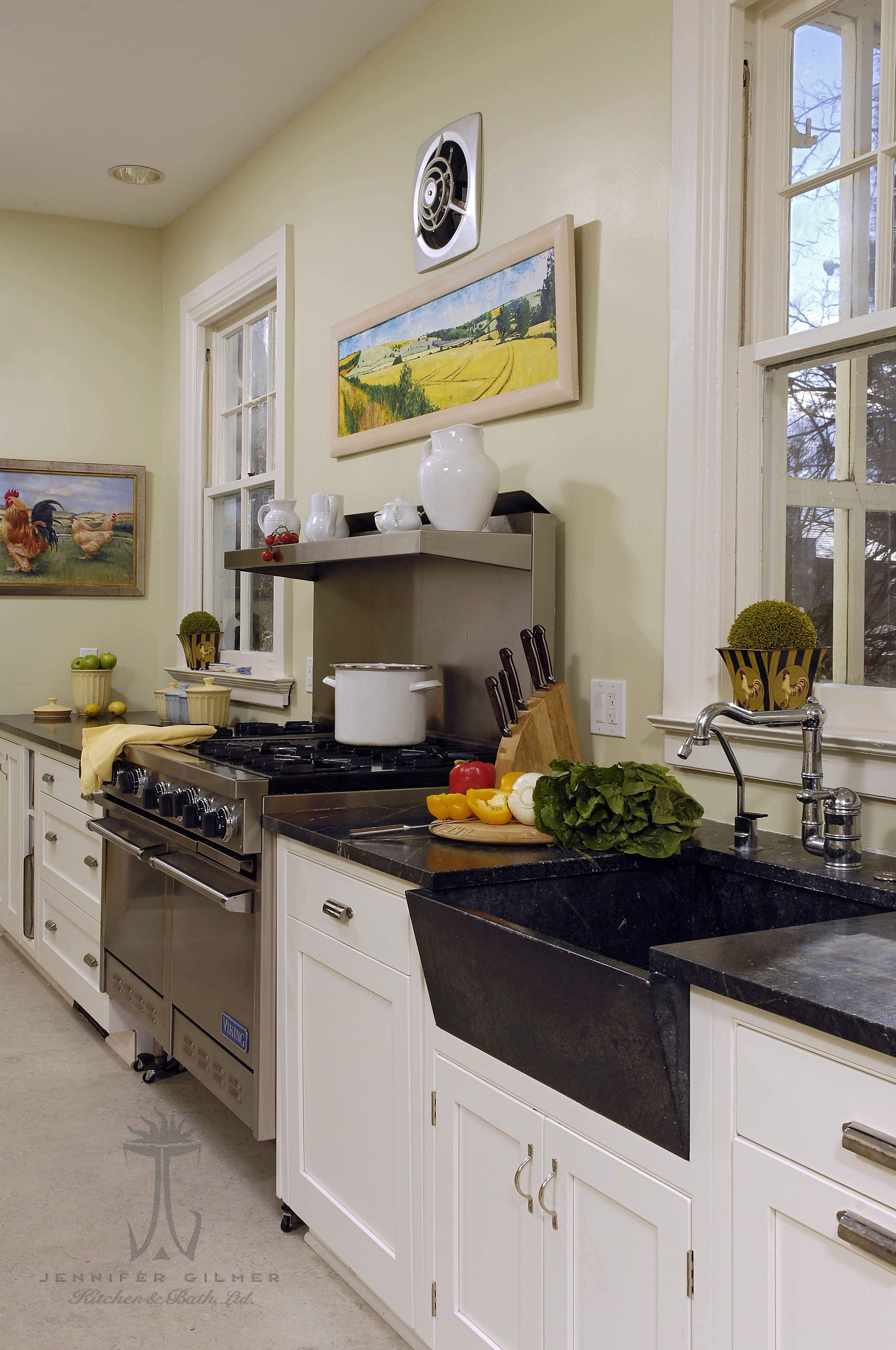 Kitchen designed by Jennifer Gilmer Kitchen & Bath in Alexandria ...