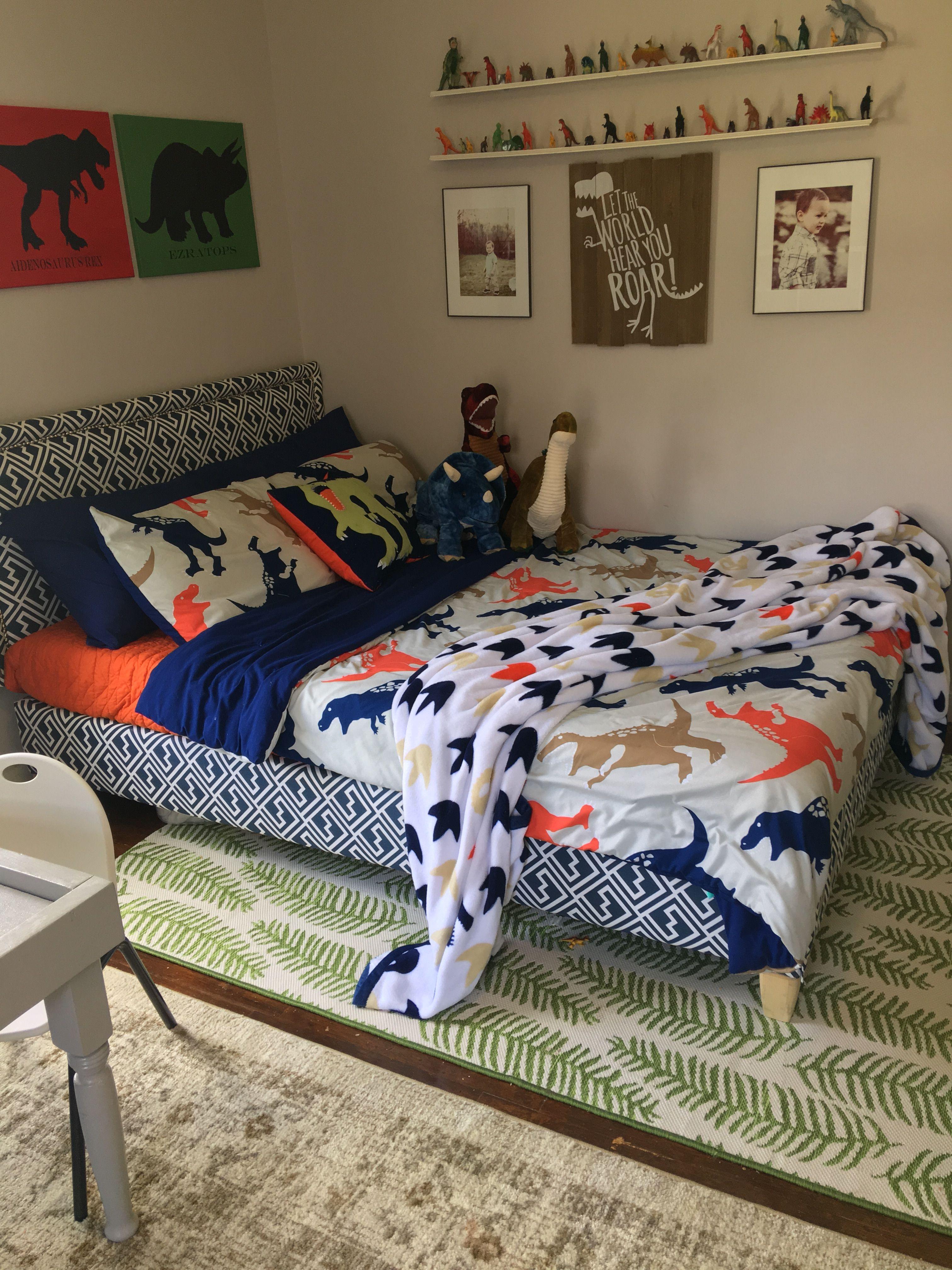 Pin De Tharielys Batista En Dinosaur Room Decorar Habitacion Ninos Dormitorios Habitacion Para Ninos Pequenos