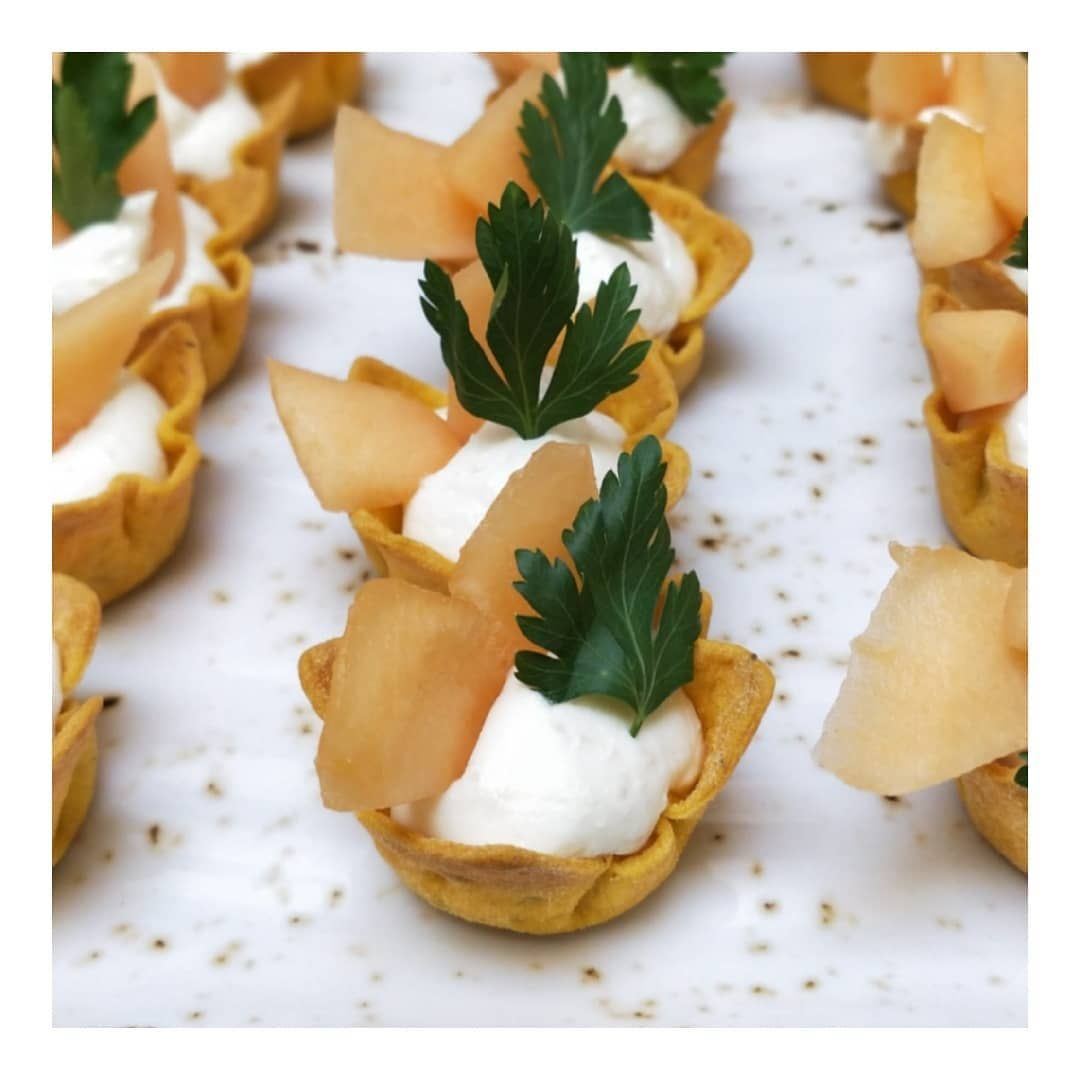 Summer coming! ☀️😎 small goat cheese cups 😋  #tommiskitchen #catering #cateringlife #cateringchef #cateringfood #food #foodgram #instafood #igfood #foodphotography #foodphoto #foodlover #chefslife #partyfood #partytime #cocktailtime #cocktailfood #colorfood  #lovemyjob #pitopalvelu #fingerfood #cocktailmenu #fingerfoodmenu