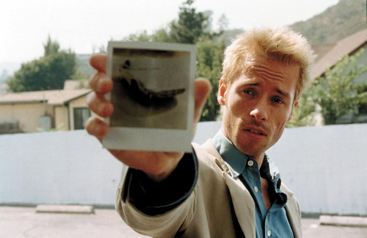 Memento Christopher Nolan 2000 films movie