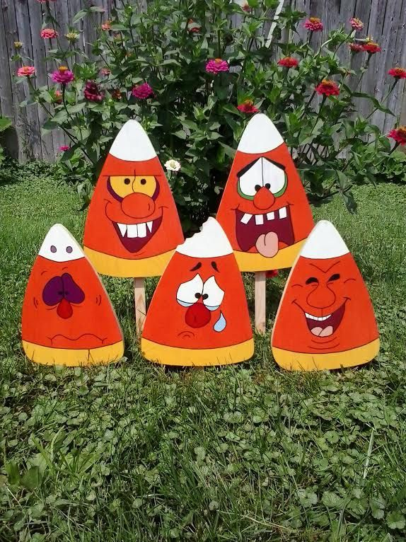 Crazy Candy Corn Halloween Outdoor Wood Yard Art Lawn Decoration