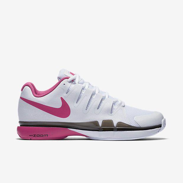superior quality 64d13 3131a NikeCourt Zoom Vapor 9.5 Tour Women s Tennis Shoe