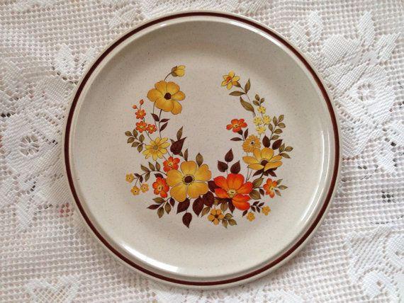 Hearthside Casual Elegance Plate Chablis Retro Plate Retro ...
